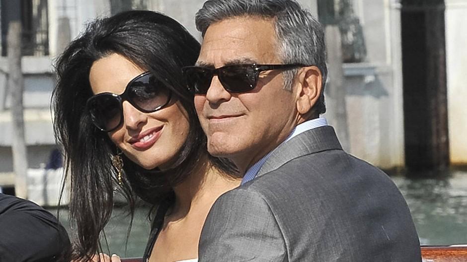 Bei Hochzeiten geht es um pure Schönheit: Zu Charlotte Tilburys Kundinnen am Tag der Tage gehört unter anderem Amal Clooney (mit George).