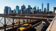 Auf der New York Fashion Week wird die Mode sicher nicht neu erfunden. Aber die Stadt der Städte ist als erste Station des vierwöchigen Fashion-Marathons ein guter Ort für Debüts. Daher kommen auch viele Europäer und Asiaten an den Hudson.
