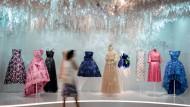 Ein Traum: Die Dior-Ausstellung ist Nabelschau und Marketingmethode zugleich.