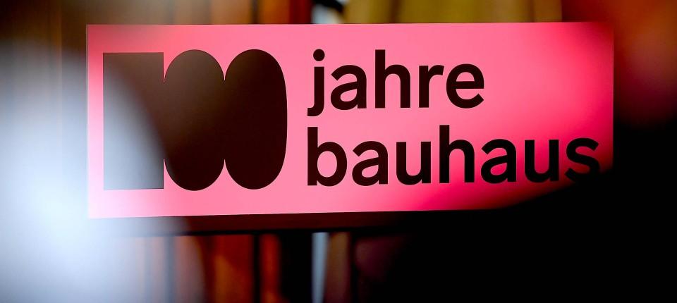 Ausstellungen Und Festivals Zum Hundertjährigen Bauhaus Bestehen