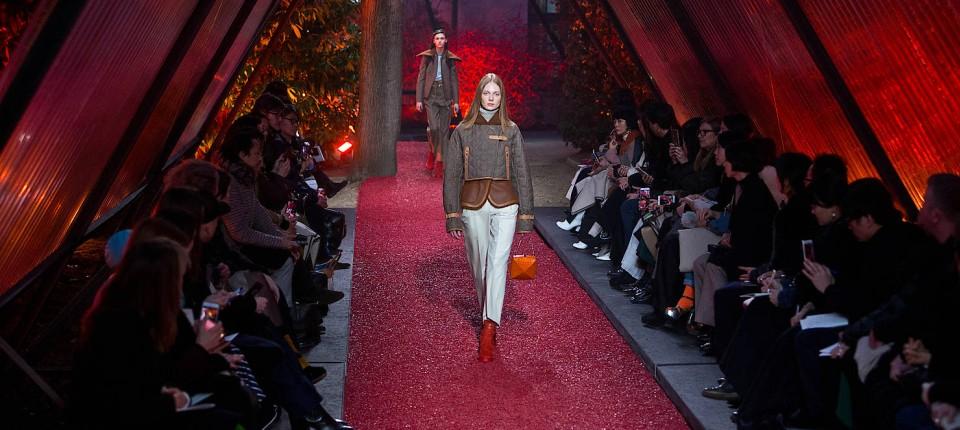2119b182c1d47 Die Hermès-Show von Etienne Russo fand im März zum ersten Mal in den Gärten