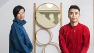 """""""Leichtigkeit und Eleganz"""": Minmin Xie und ihr Mann Chen Min stehen für eine neue Generation in China, die das Funktionelle deutscher Möbel liebt."""