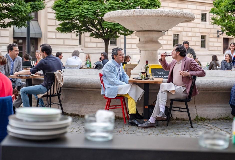 Frankfurt: Hemd und Jackett könnten neuerdings auch Ausgleich vom Alltag sein.