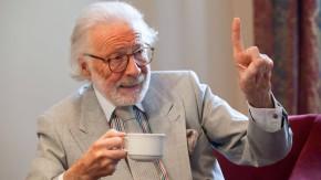 """Fritz J. Raddatz - Der ehemalige Literaturchef der """"Zeit"""" spricht mit Timo Frasch in Hamburg  zum Thema Stil, und zwar nicht nur in einem modischen Sinne, sondern ganz generell. D.h.: Stil als Charakterfrage, als Haltung etc."""