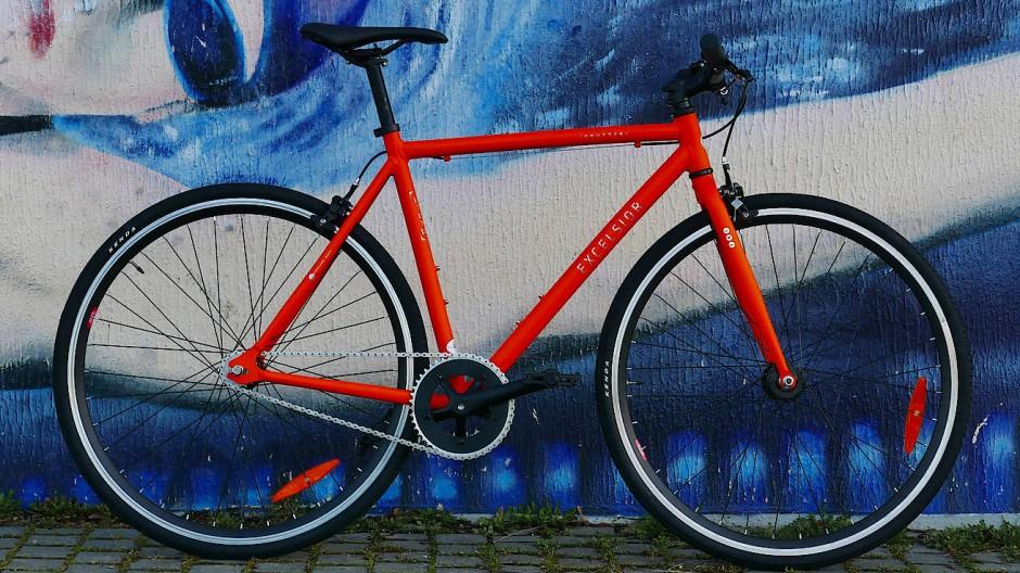 Gar nicht so nackt: Dem preisgünstigen Lifestyle-Rad Sputter von Excelsior fehlt wenig.