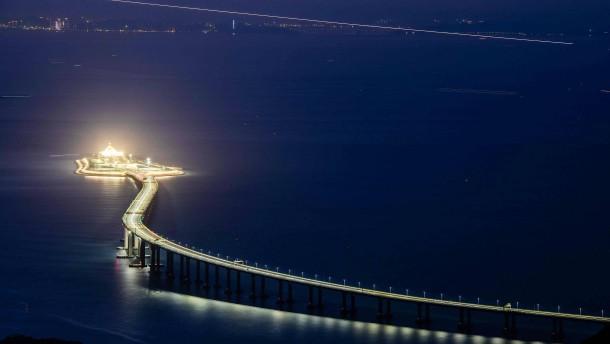 Brücke mit Tücke