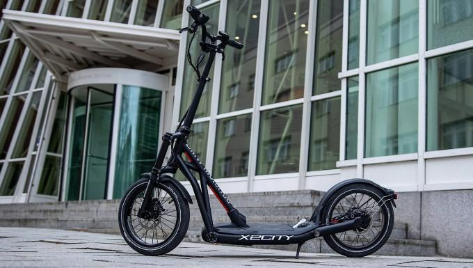 faz.net - Marco Dettweiler - Fahrbericht Elektro-Tretroller BMW X2City