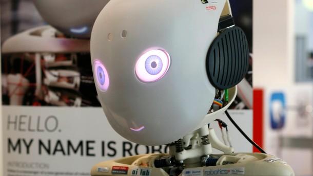 Ein Roboter mit himmelblauen Augen