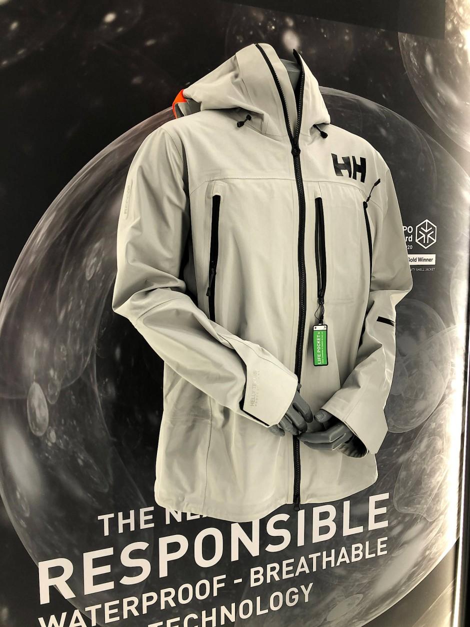 Wer eine Jacke trägt, trägt auch Verantwortung: Helly Hansens Elevation Infinity Shell Jacket