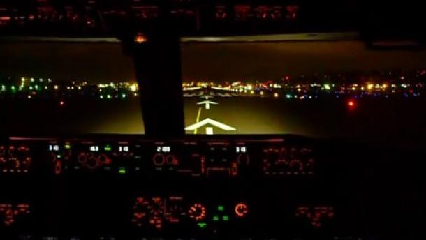 Klar zum Start: Die Boeing 737 ist bereit für ihren Testflug. Holger Appel war mit seiner Kamera dabei.