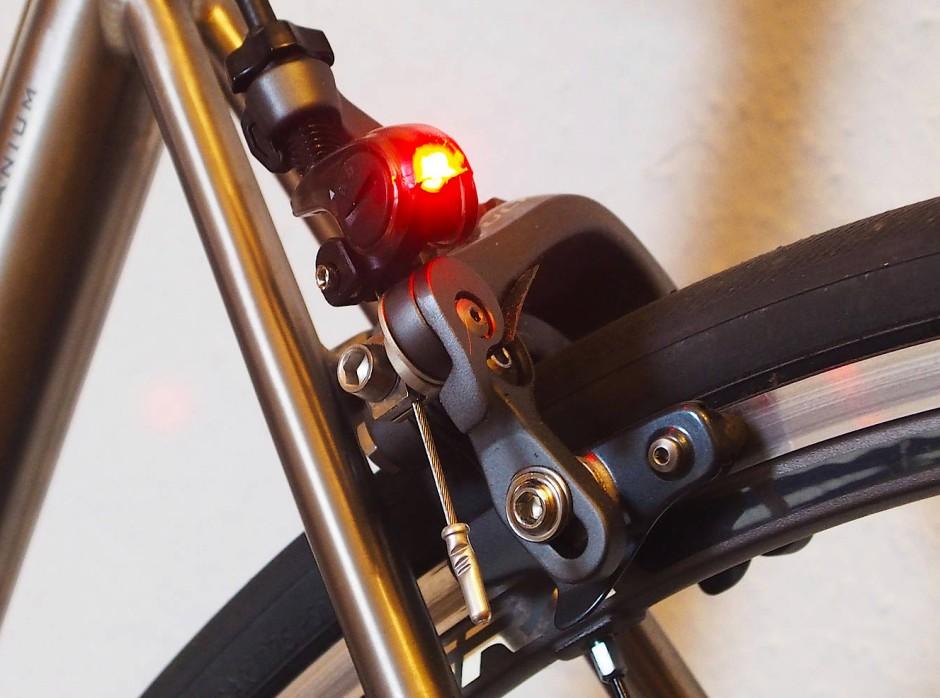 sicherheit warum kein bremslicht am fahrrad auto. Black Bedroom Furniture Sets. Home Design Ideas