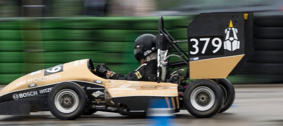 Studenten in Rennwagen: Formula Student auf dem Hockenheimring
