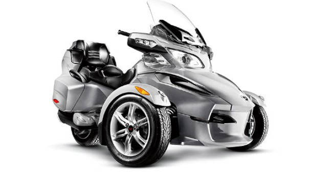 dreirad can am spyder man muss nicht alles haben motor. Black Bedroom Furniture Sets. Home Design Ideas