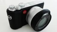 Gummiarmiert: Die Leica X-U darf mit ins Wasser