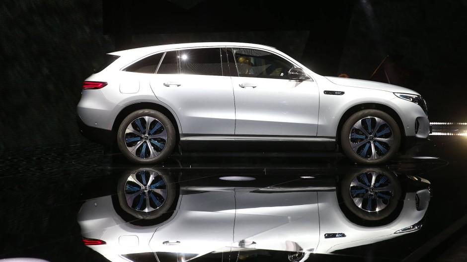 """Ein der A-Klasse nicht unähnlicher SUV mit Elektroantrieb: der neue Mercedes """"EQC"""""""