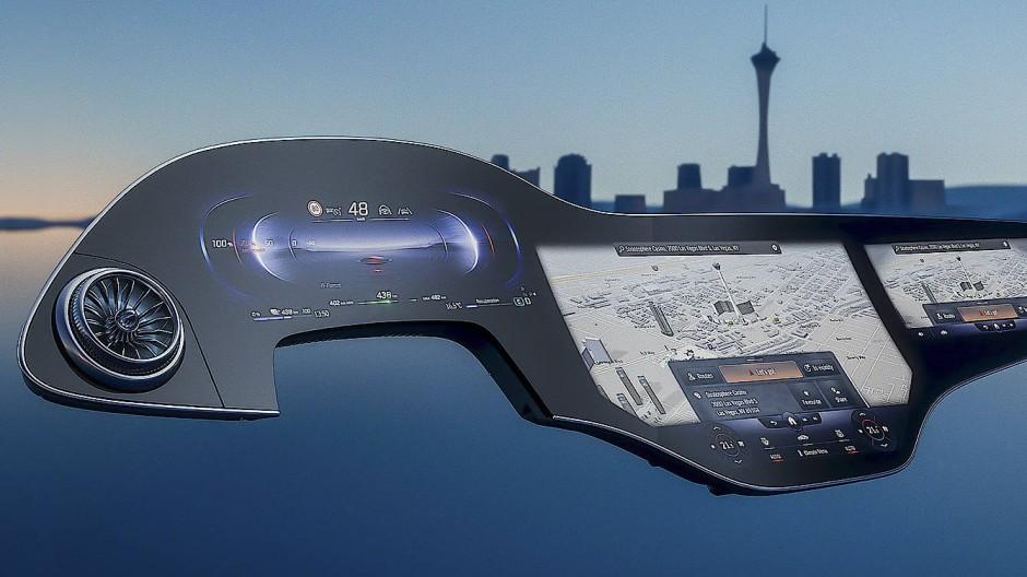 Autofahren als Multimedia-Show: Mercedes-Benz kombiniert Oled-Touchscreens zu einer großflächigen Kommandozentrale.