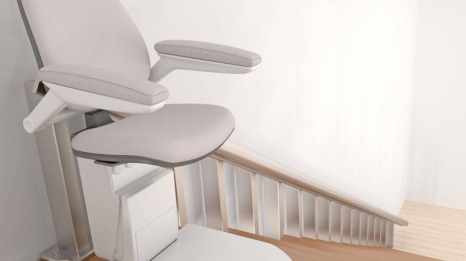 Eine gerade Treppe ist relativ leicht mit einem Lift zu bestücken, doch die Höhe der Stufen und der Grad der Steigung differieren immer.