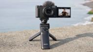 Das Stativ mit der leicht zu merkenden Bezeichnung GP-VPT2BT passt perfekt zur Sony ZV-1.
