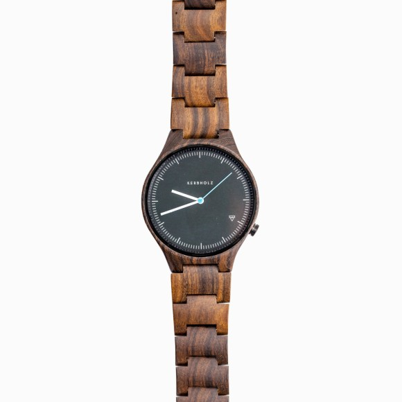 bilderstrecke zu armbanduhren h lzerne leichtgewichte am handgelenk bild 3 von 3 faz. Black Bedroom Furniture Sets. Home Design Ideas