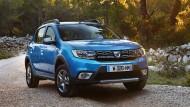 Der Kleinwagen Sandero startet von Januar an wieder als Preisbrecher bei unveränderten 6890 Euro.