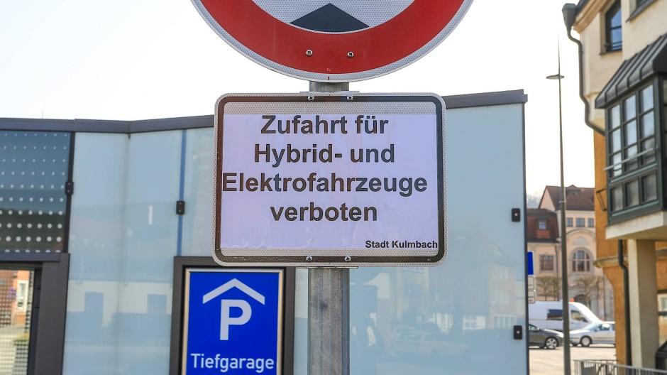 Elektroautos müssen hier draußen bleiben.