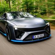 Der elektrische Sportwagen von Gumpert aus Ingolstadt macht sich seinen Strom aus Methanol.