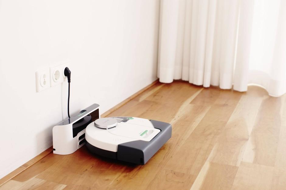 staubsauger roboter auf der jagd nach hundehaaren und staubm usen technik motor faz. Black Bedroom Furniture Sets. Home Design Ideas