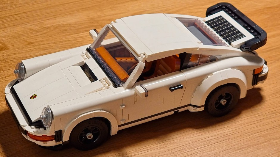 Der Porsche 911 ist nach knapp acht Stunden fertig.