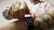 Kann die Apple Watch durcheinanderbringen: Tattoos am Unterarm