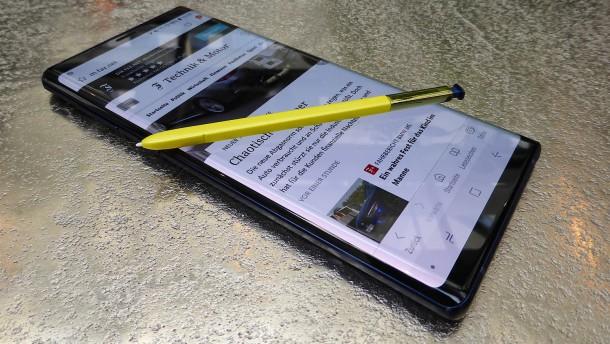 Ein riesiges Smartphone mit Fernbedienung