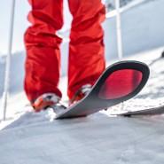 Skispitze mit Aussparung als Markenzeichen