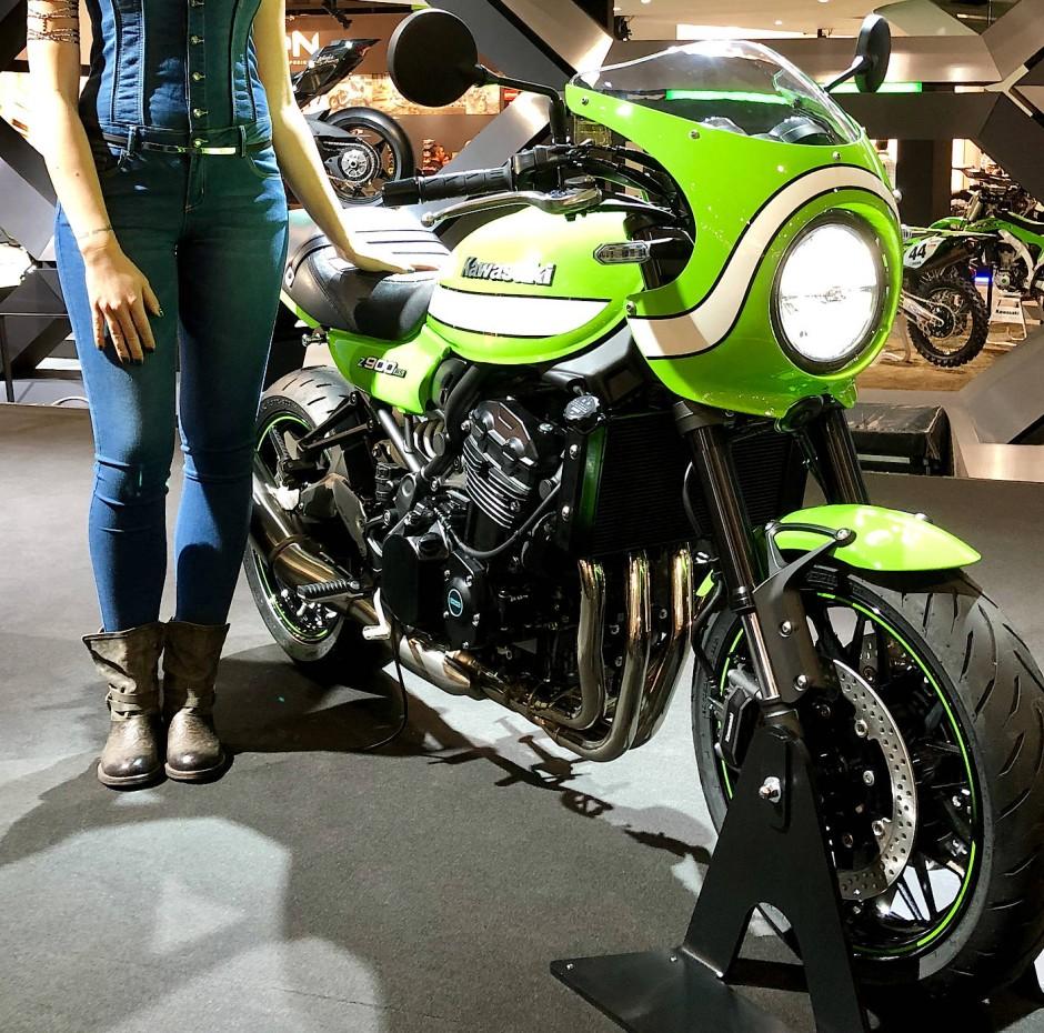 """Spät, aber gewaltig kommt Kawasaki auf die Retro-Bühne. Z 900 S in der Version """"Café"""" Racer."""