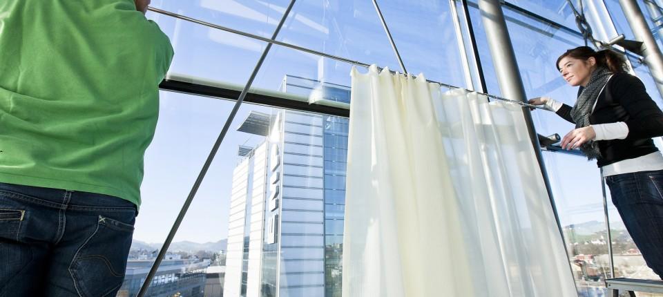 Schallabsorbierende Vorhänge: Stoffe, die Stille schaffen ...