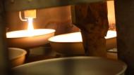Es geht zwischenzeitlich heiß her bei der Herstellung einer Pfanne. Los geht es aber mit ...