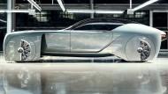 Als ob Batmans Spirit auf Ectasy wäre: Die sechs Meter lange Vision von Rolls-Royce aus dem Jahr 1930. Ach nein, für das Jahr 2030