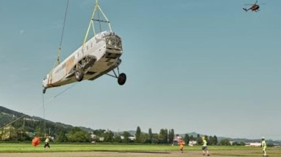 Im Hubschrauber-Schlepptau über den Bodensee