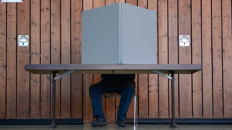 Saarländisches Wahllokal in Blieskastal-Lautzkirchen