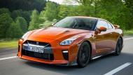 Die Vorbereitung der Fahrt frisst im Nissan GT-R etwas mehr Zeit als etwa im Porsche 911 Turbo.