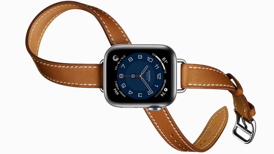 Leider teuer: das mehrfach um den Arm zu wickelnde Hermès-Armband