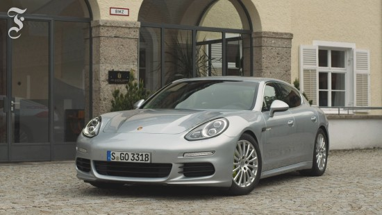 Fünf Meter Porsche für die Stadt