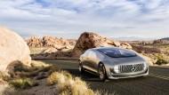"""Das Forschungsfahrzeuge F 015 """"Luxury in Motion"""" von Mercedes zeigt, dass Autofahren künftig ganz anders sein wird."""