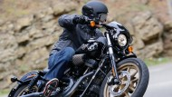 Die Low Rider S von Harley-Davidson im Einsatz. Wegen der Euro-4 Abgashürde ist das nicht mehr lange der Fall.