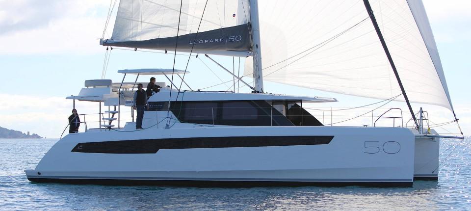 Katamaran kaufen  Katamaran Leopard 50: Wie lässt es sich am besten segeln?