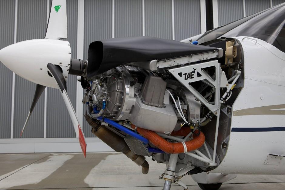 Eine Rakete ist die 172 nicht, egal mit welchem Motor.