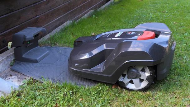 seite 2 rasenm her roboter husqvarna automower im test. Black Bedroom Furniture Sets. Home Design Ideas