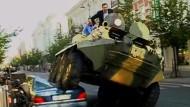 Mit Panzer gegen Falschparker