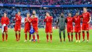 Die Mannschaft von Bayern München kommt bald im BMW zum Training.