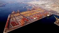 Der Hafen von Piräus sollte eigentlich privatisiert werden.