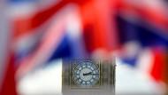 Big Ben hinter britischen Fahnen: Am Donnerstag schlägt eine große Stunde für das Vereinigte Königreich - so oder so.