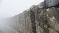 Liebt schöne Bilder: Altmaier, hier an der Chinesischen Mauer, hat mit dem Reich der Mitte sonst nicht viel Freude.